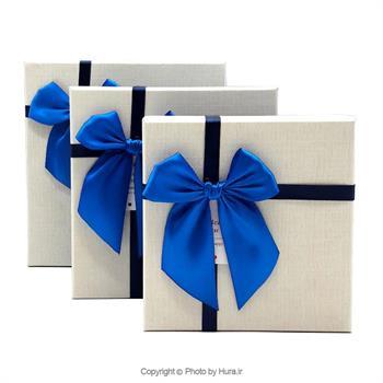 جعبه کادو مربع سرمه ای درب سفید  پاپیون آبی